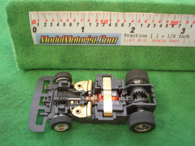Top view of Aurora Speed-Steer B HO Slotless Car Chassis