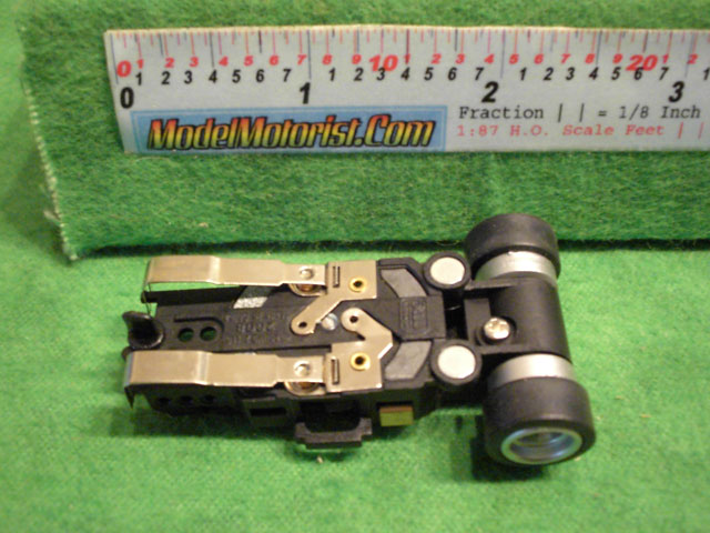Bottom view of Auto World 4 Gear Ultra G
