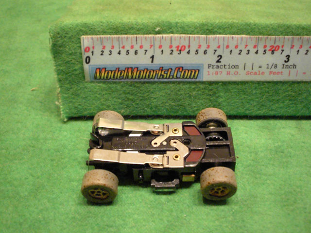 Bottom view of Auto World X-Traction Dirty