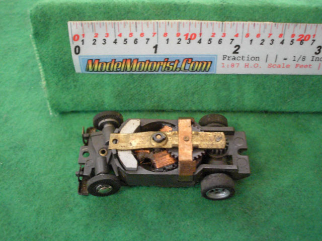 Top view of Aurora XLerators Diode 4 HO Slotless Car Chassis