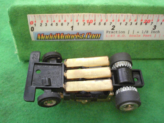 Bottom view of Ideal Jam HO Slotless Car Chassis