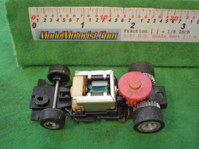 Top view of Ideal Passing B HO Slotless Car Chassis