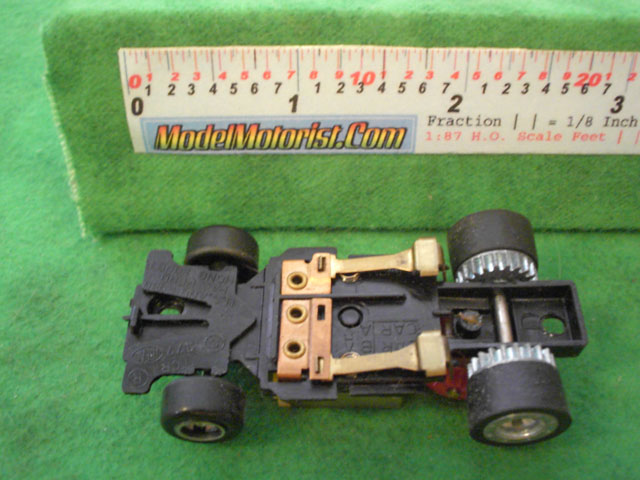 Bottom view of Ideal Passing B HO Slotless Car Chassis