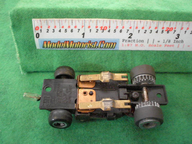 Bottom view of Ideal Passing MK2 B HO Slotless Car Chassis