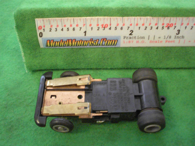 Bottom view of Ideal Passing MK3 B HO Slotless Car Chassis