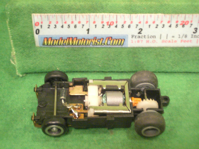 Top view of Ideal Bi-Directional HO Slot Car Chassis