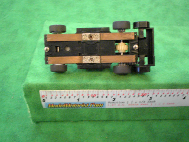 Bottom view of Tyco US1 Electric Trucking HO Wrecker Truck Chassis